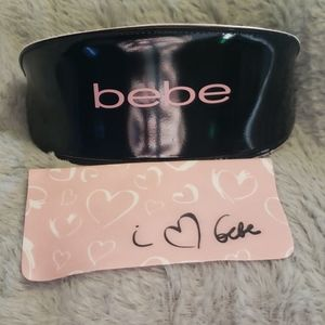New Bebe Sunglass case with cleaning cloth